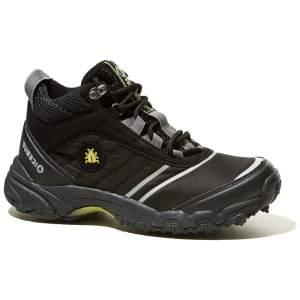 Мужская обувь с шипами