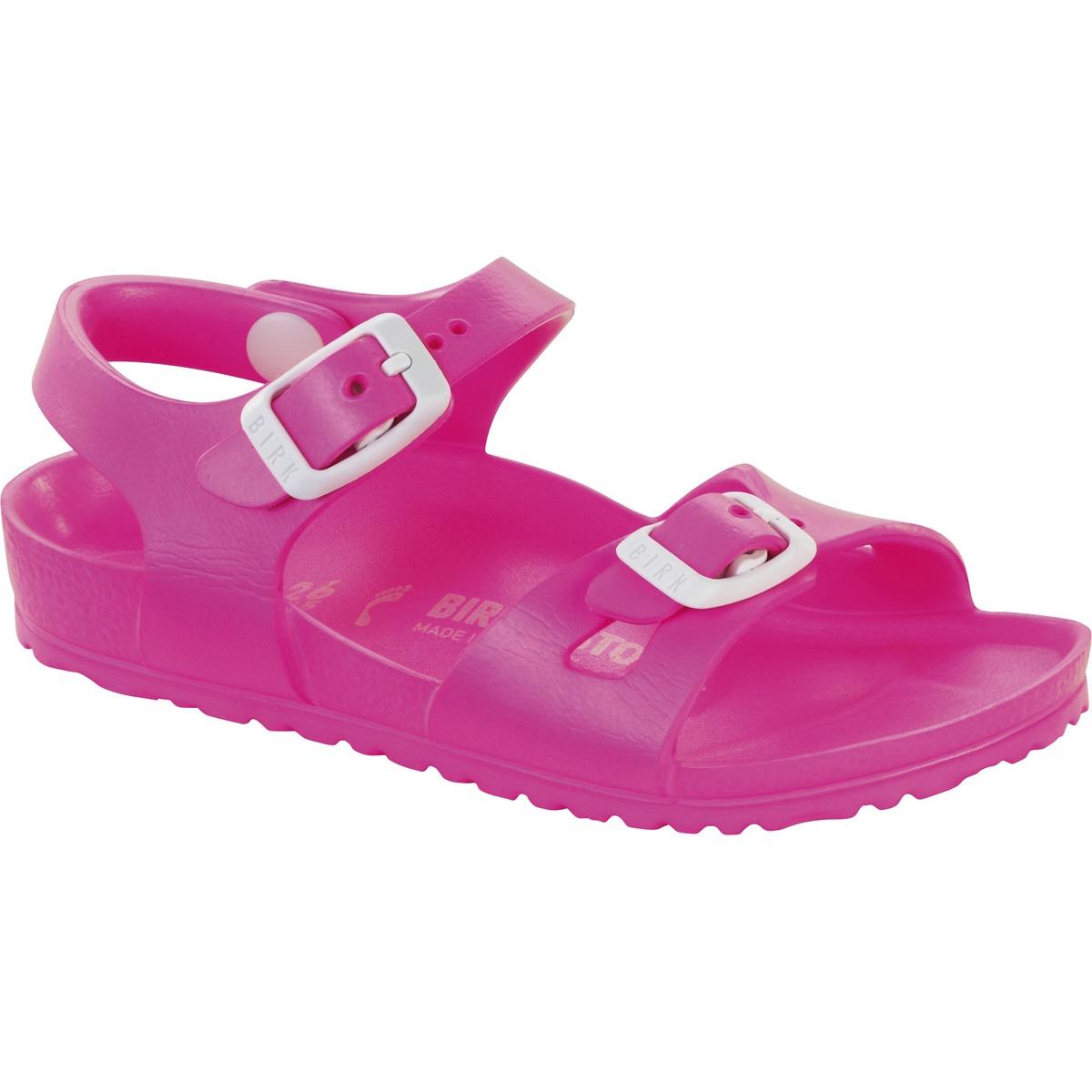 barn sandaler og available via . Shop the entire